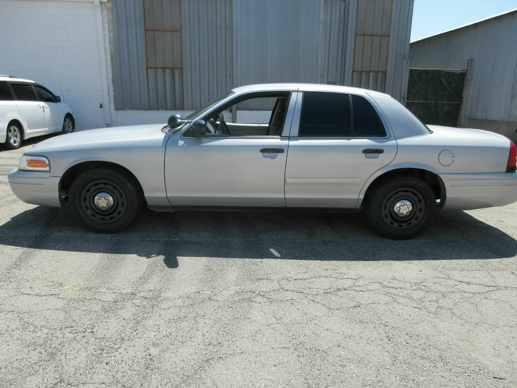 Ford Crown Victoria | Studio Picture Vehicles